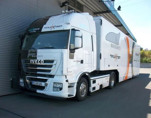 Новый Iveco Daily сопроводил команду Maserati на трансконтинентальном ралли