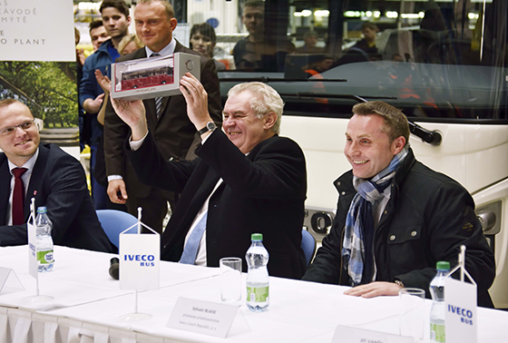 Президент Чехии Милош Земан посетил завод Iveco Bus в Високе-Мито